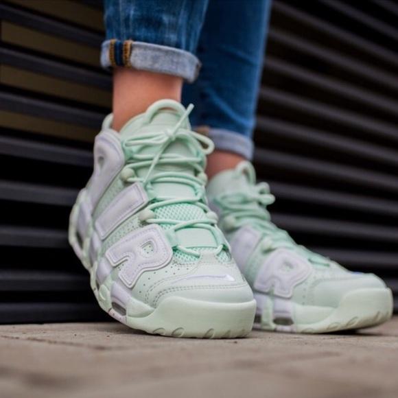 Nike Womens Mint Uptempos NWT